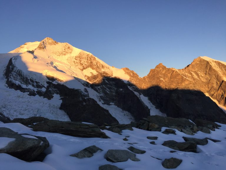 Piz Bernina mit Biancograt vom Persgletscher aus
